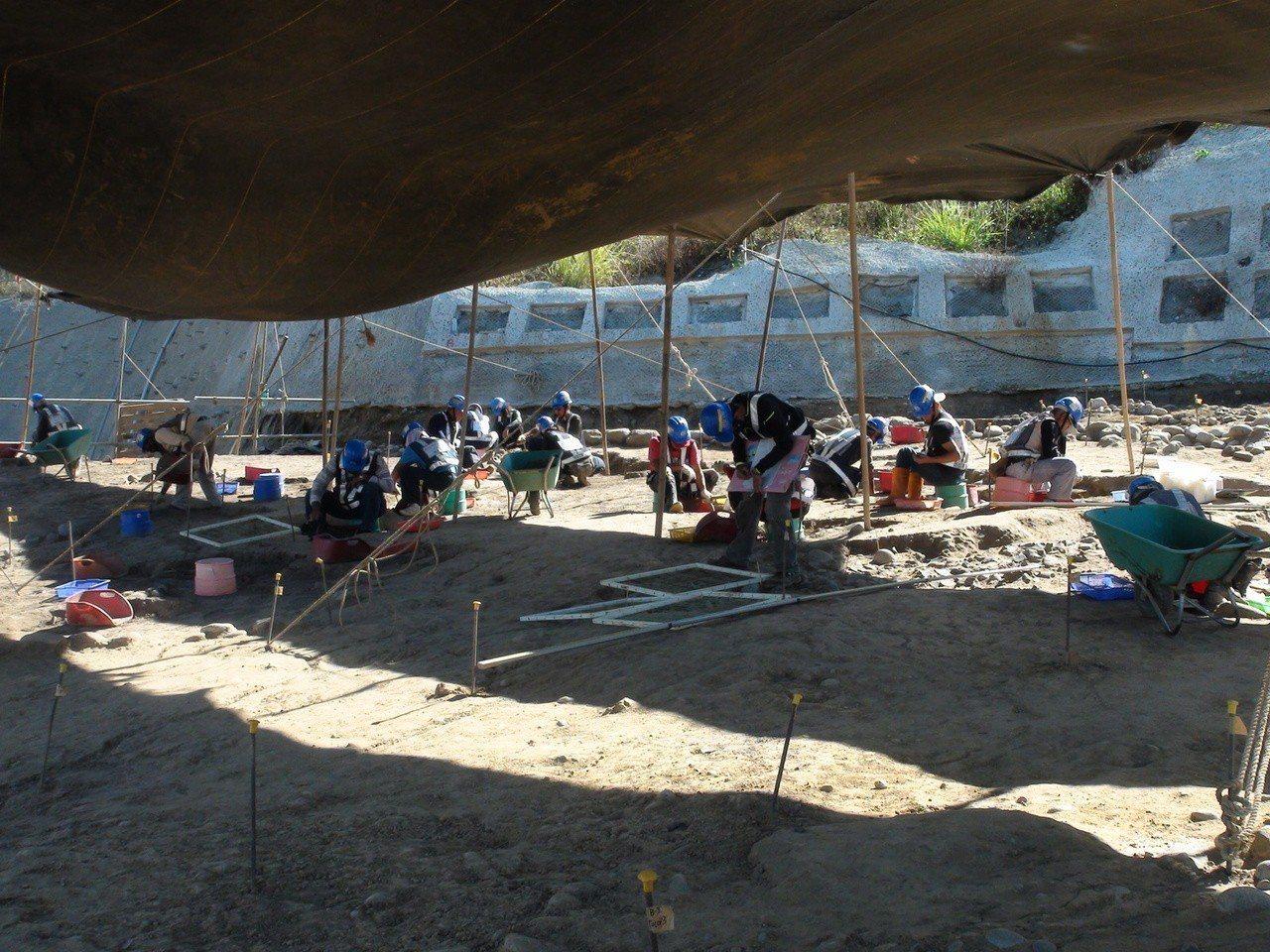 國道4號豐原、潭子段施工期間,施工人員去年在1號隧道西口發現「朴口遺址」。聯合報...
