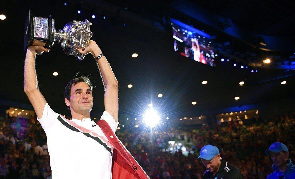 費德勒準備迎接「瘋狂讚」的另一年,由下個月在澳洲網球公開賽尋求衛冕男單冠軍開始。...