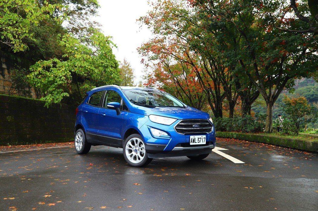 Ford EcoSport走傳統本格派休旅風格,車高也是三輛中最高。 記者張振群...