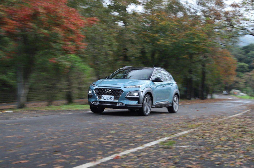 Hyundai Kona的1.6T動力搭配4WD,穩定性絕對超乎想像。 記者張振...