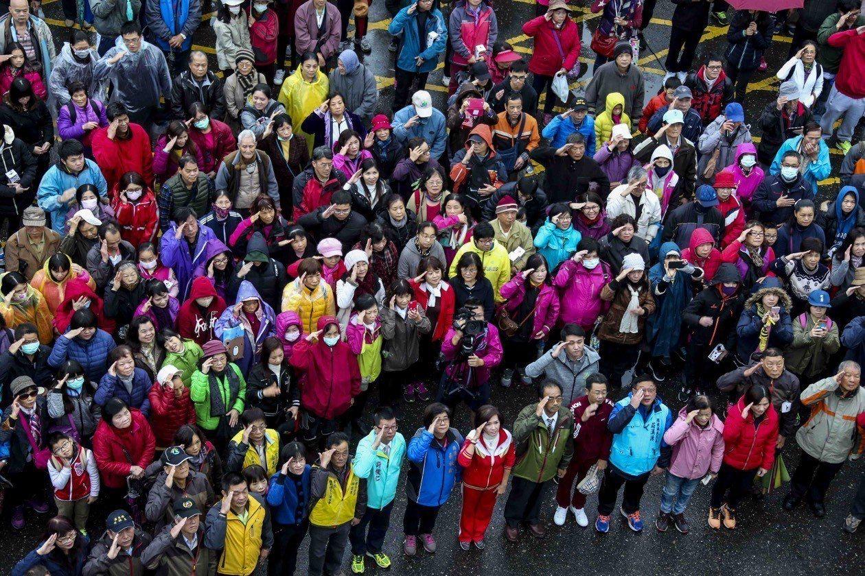 羅東鎮公所在林姿妙擔任鎮長的任期內,都有許多民眾參加元旦升旗典禮。圖為107年羅...