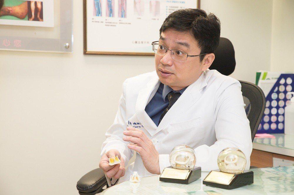 心臟瓣膜損壞,無法手術修補,只能以人工主動脈瓣膜用來置換病人本身的瓣膜,彰基心臟...