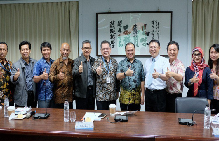 醒吾科大國際處表示,該校與印尼政府合作招生,並非透過仲介,印尼政府官員也來台了解...