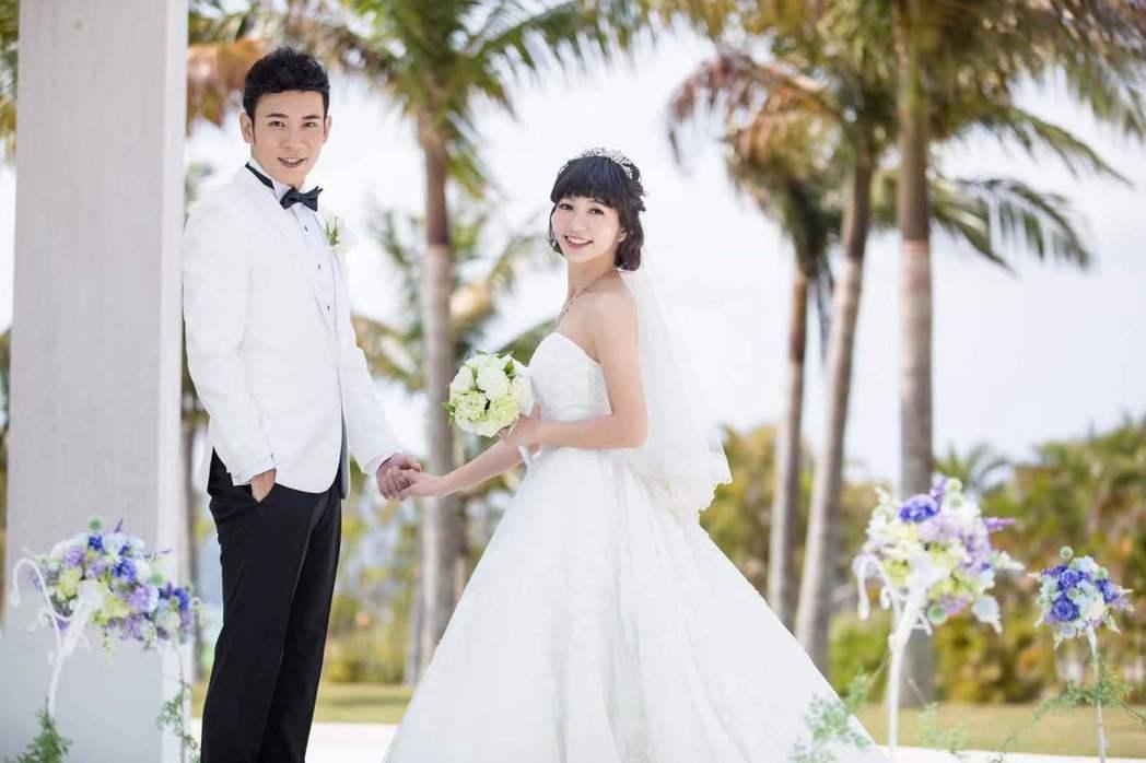 香蕉哥哥與草莓姐姐29日將舉行婚宴。圖/經紀人提供