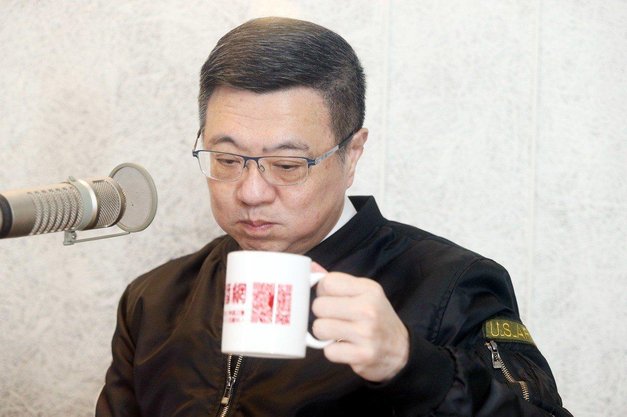 卓榮泰今天在臉書上再度呼籲團結,他表示,黨內剛歷經九合一選舉大敗,距離明年的大選...