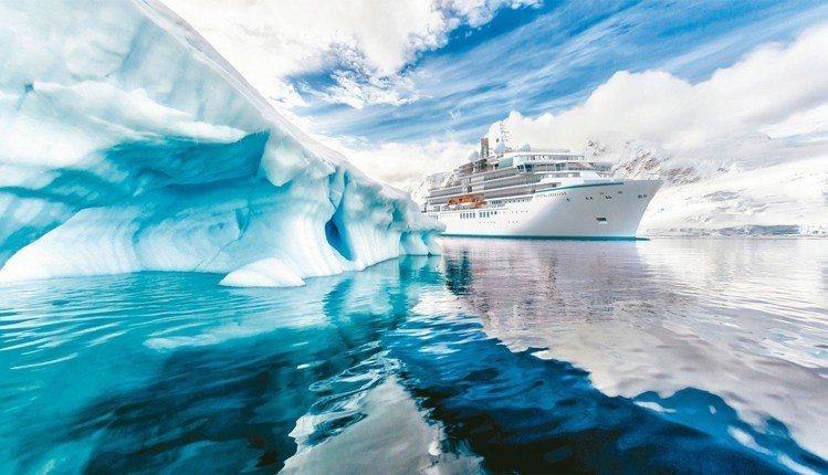 排水量約20000噸的Crystal Endeavor,2018年向台灣旅客招手...
