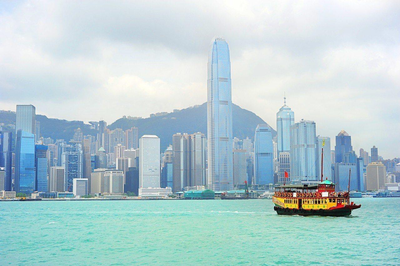 美駐香港和澳門總領事唐偉康28日在明報撰文回顧2018年美港關係。在直接投資方面...