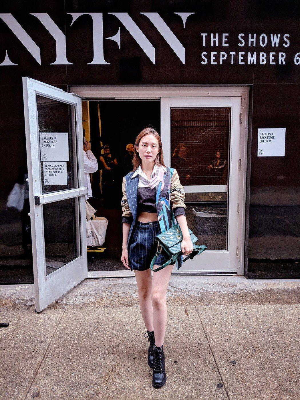 浪Live克萊兒主播參與紐約時裝周 大開眼界之餘也成為時尚主播代表。 浪Live...