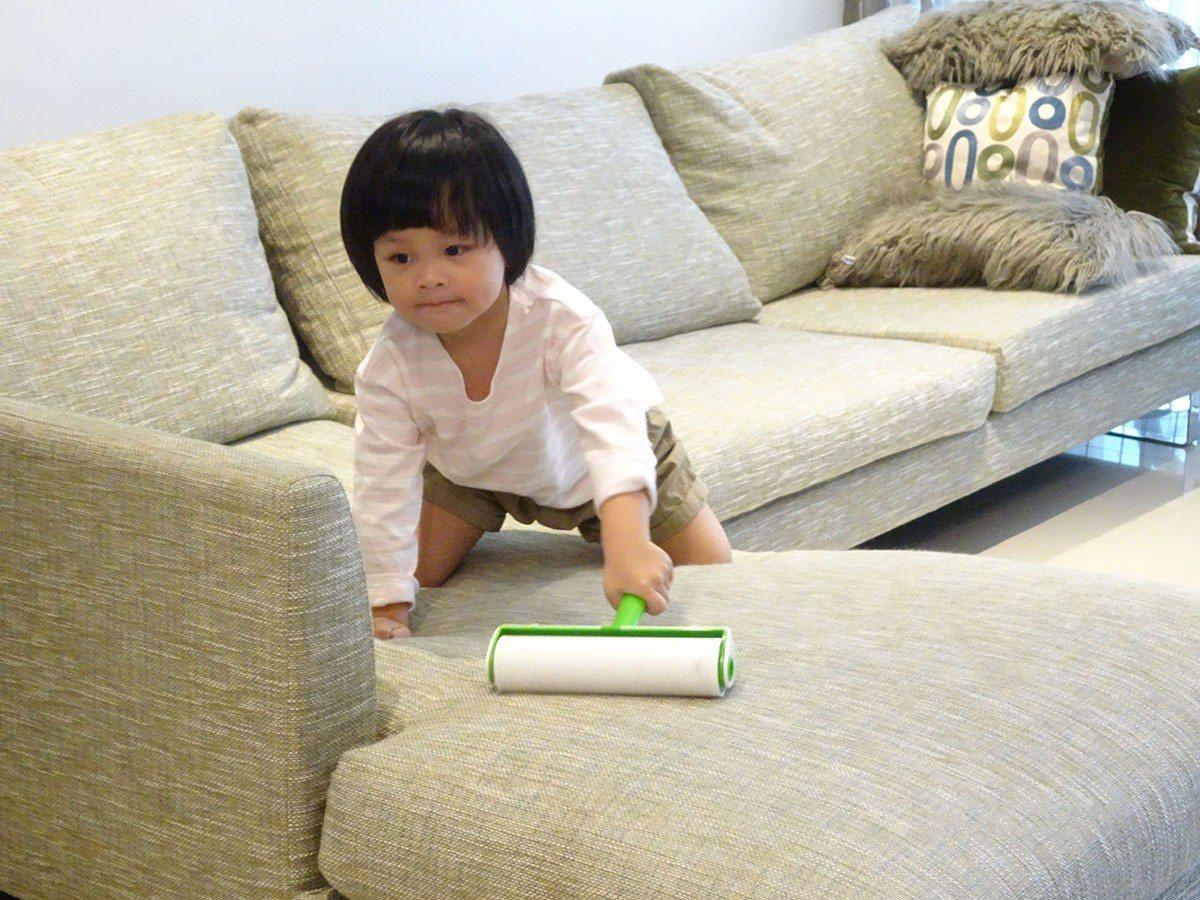 年前居家清潔全家總動員,工具輕巧,小朋友易上手。(照片來源:云陽媒體)