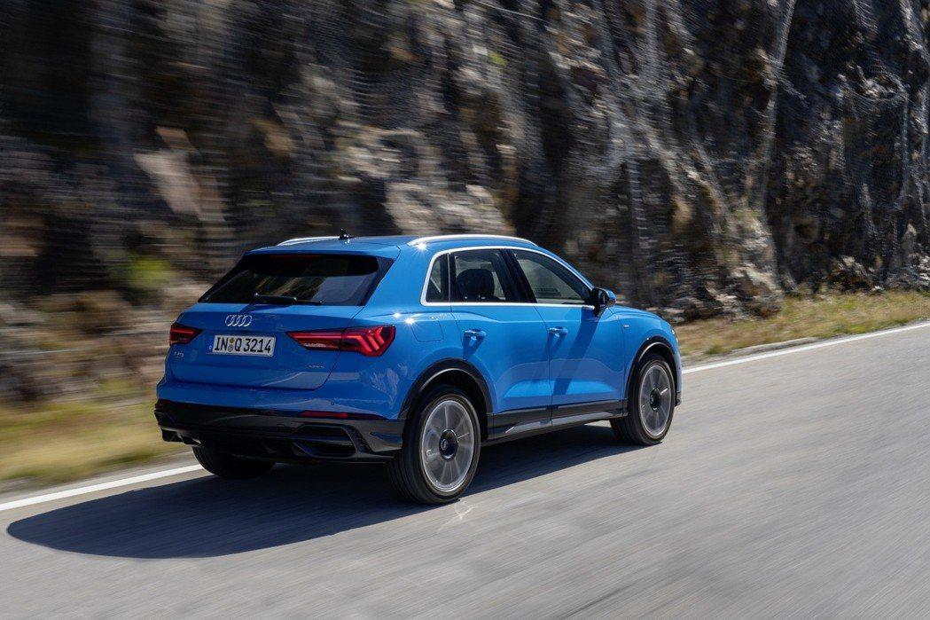 新世代Audi Q3柴油動力,皆為搭載2.0升TDI四缸渦輪柴油引擎。 摘自Au...
