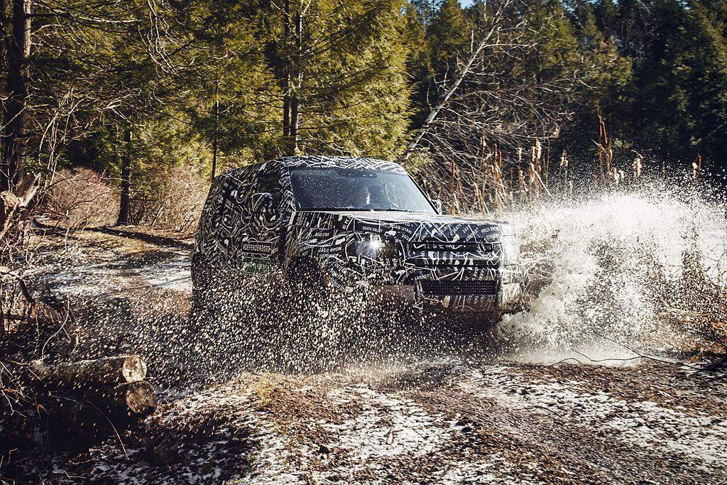 新Land Rover Defender不僅在海拔超過13,000英尺的地區進行...