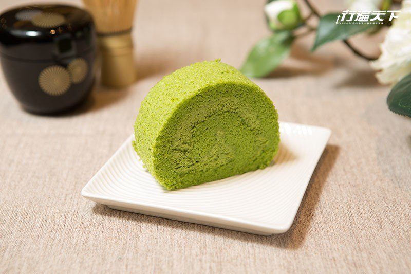 辻利濃茶卷的鮮奶油與帶有空氣感的日式戚風蛋糕皆有濃厚抹茶茶香。  攝影|行遍天下
