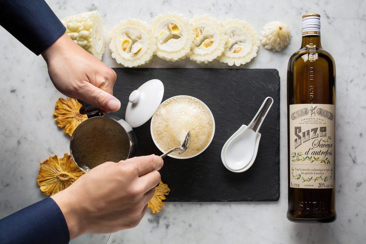 我愛「台」味雞尾酒─鳳梨苦瓜雞湯。圖/台北文華東方酒店提供