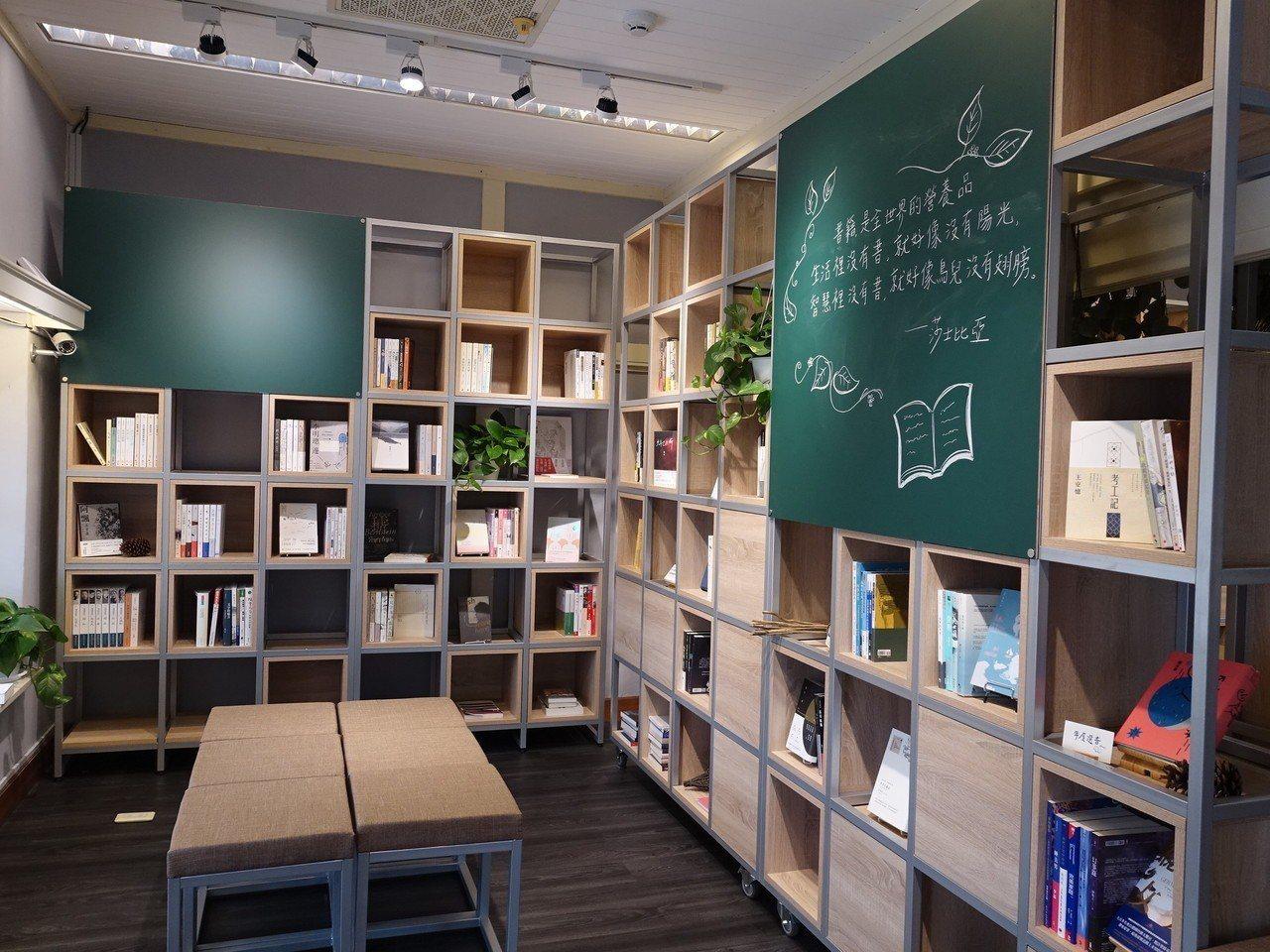 南國青鳥書店今起進駐屏東孫立人行館。記者翁禎霞/攝影