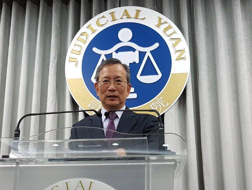 司法院秘書長呂太郎說明釋字772、773號解釋。記者王宏舜/攝影