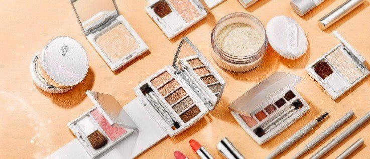 NU COLOUR 護膚彩妝系列。 NU SKIN/提供