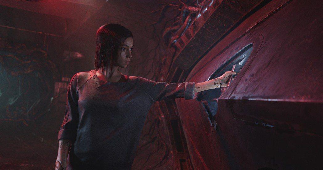 「艾莉塔:戰鬥天使」有許多刺激的動作大場面。圖/福斯提供