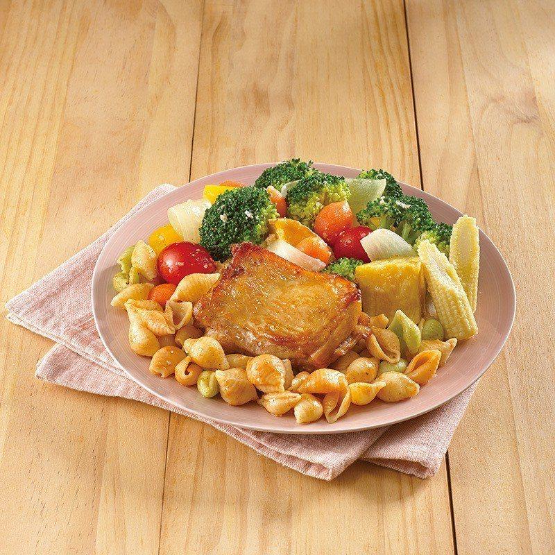 「溫蔬菜雞肉貝殼麵」單點180元、套餐價190元。圖/21世紀風味館提供