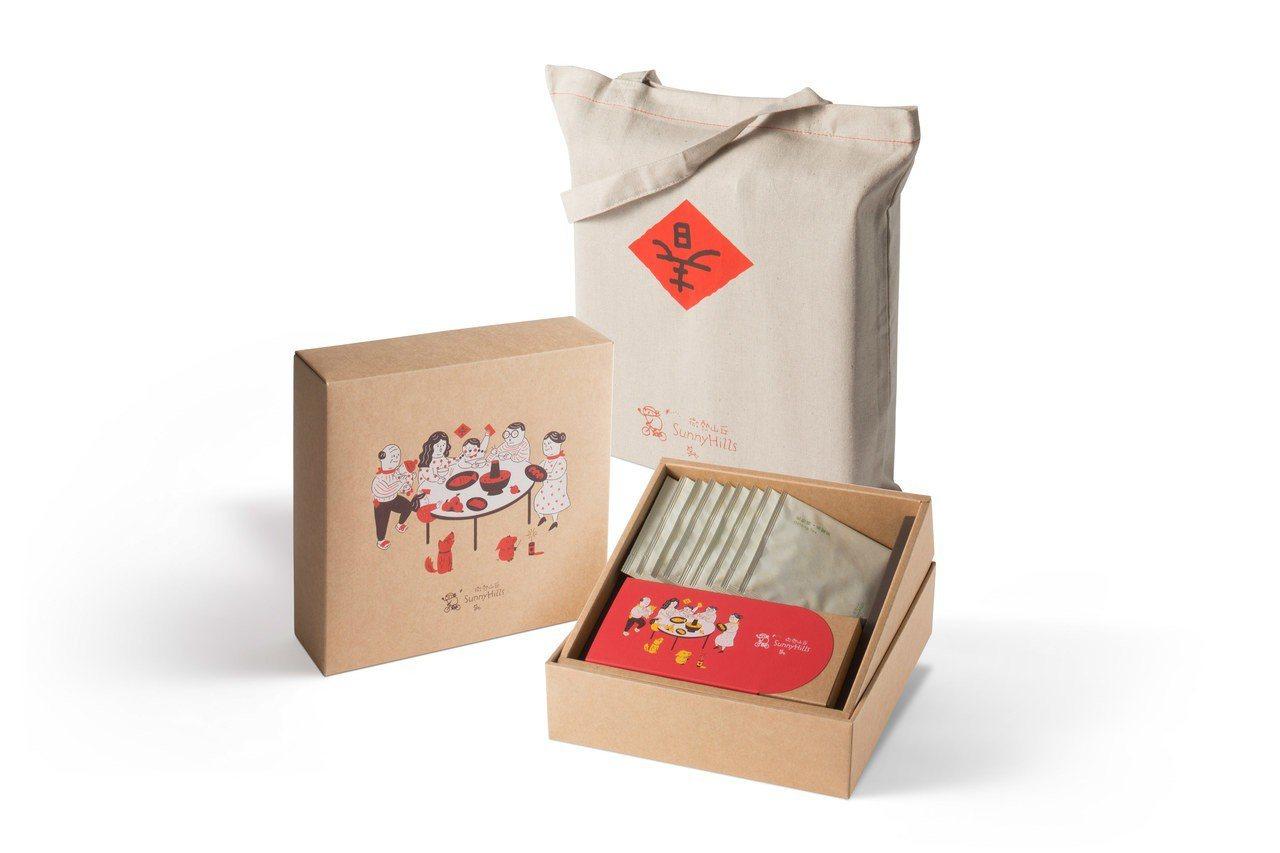 鳳梨酥烏龍茶禮盒,售價820元。圖/微熱山丘提供