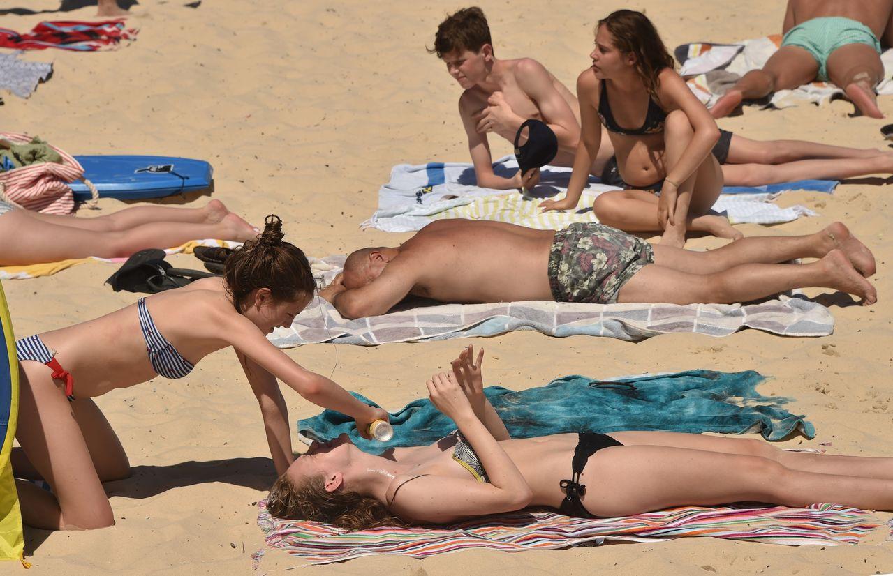 澳洲熱浪中跨年,首都39℃度。  法新社