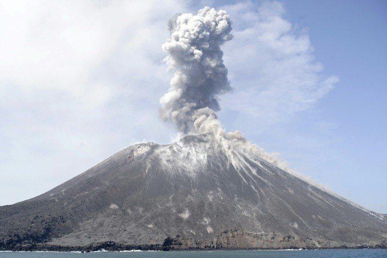圖為喀拉喀托之子火山。法新社