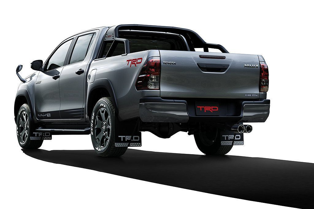 以Toyota Hilux Z Black Rally Edition特仕車為基...