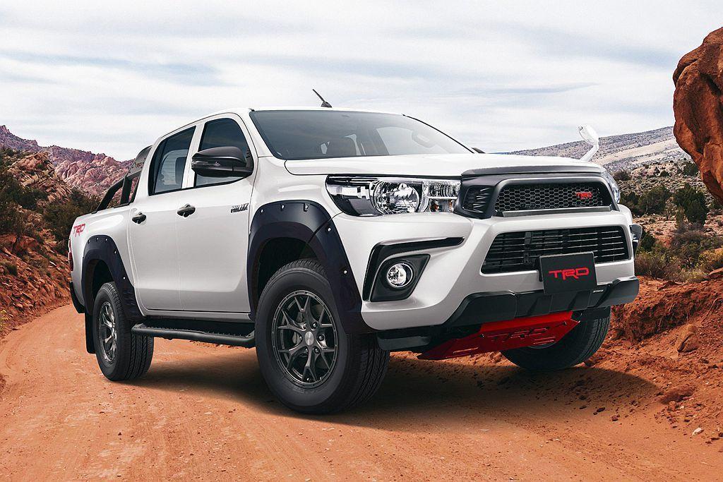 針對Toyota Hilux專屬開發的TRD套件,讓這輛皮卡呈現不同的外觀風格。...