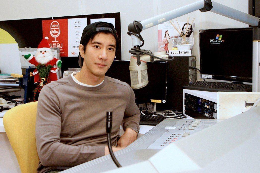 王力宏上電台宣傳明年演唱會。圖/Hit Fm提供