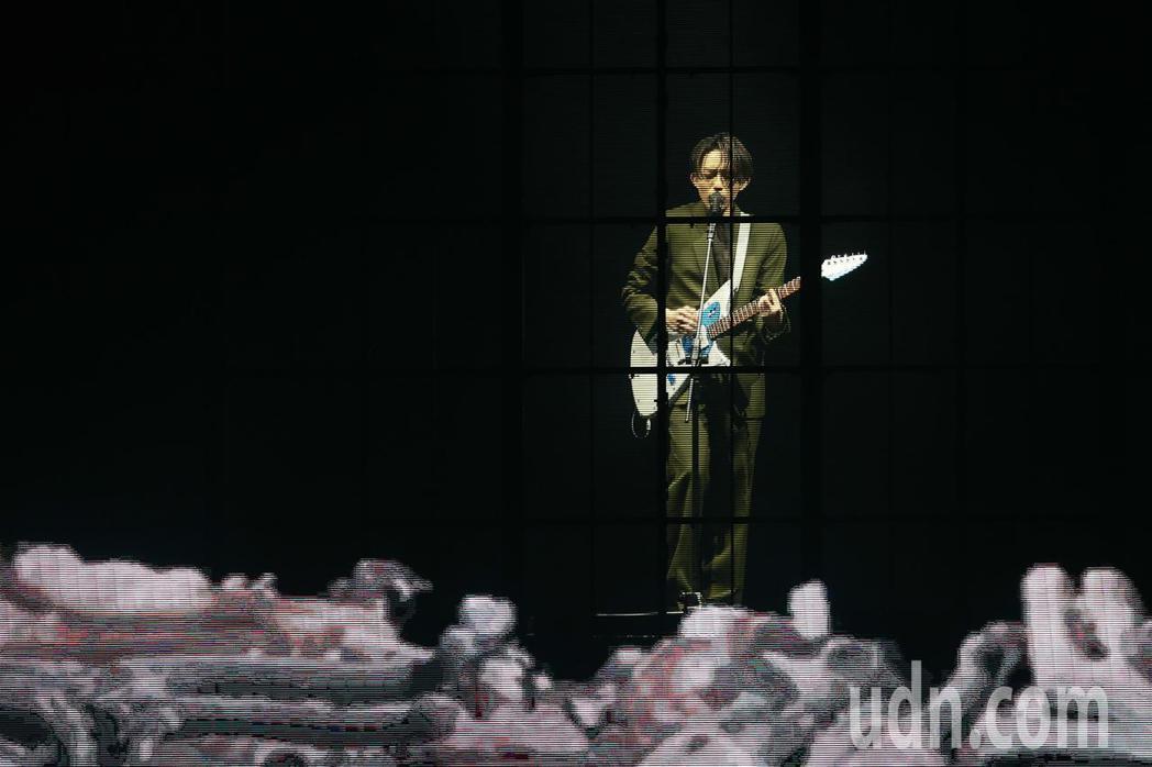 林宥嘉今天在台北小巨蛋舉辦《idol世界巡迴演唱會》,搭配精緻的燈光與聲效。記者...