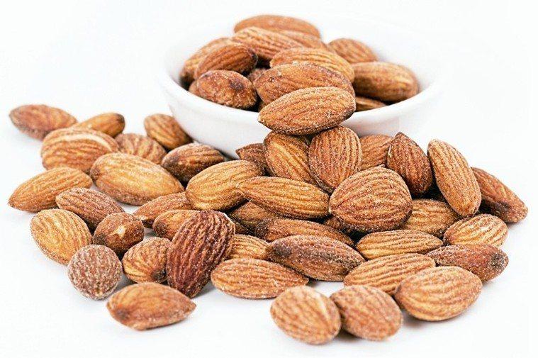 杏仁單元不飽和脂肪酸與減輕體內發炎有關,杏仁更是維生素E和錳的良好來源。但要...