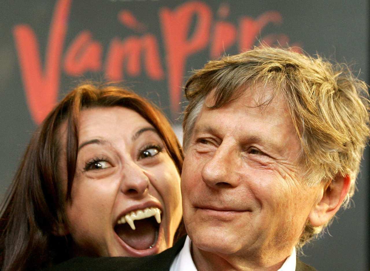 波蘭導演羅曼波蘭斯基(右)曾拍過一部電影「吸血鬼之舞」。一名英國人竟致電英國外交...
