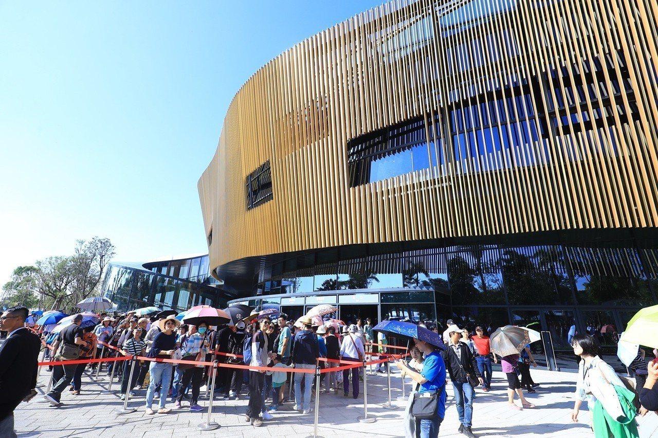 台中花博最熱門的「花舞館」。聯合報系資料照片/記者黑中亮攝影