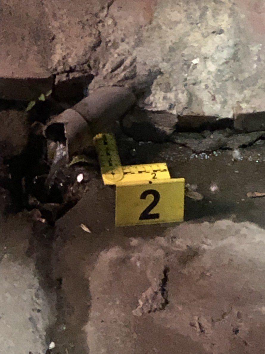警方在現場發現兩顆彈殼。記者劉星君/翻攝