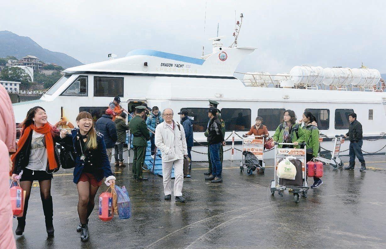 交通部航港局表示,今日11航次船班停駛。聯合報系資料照