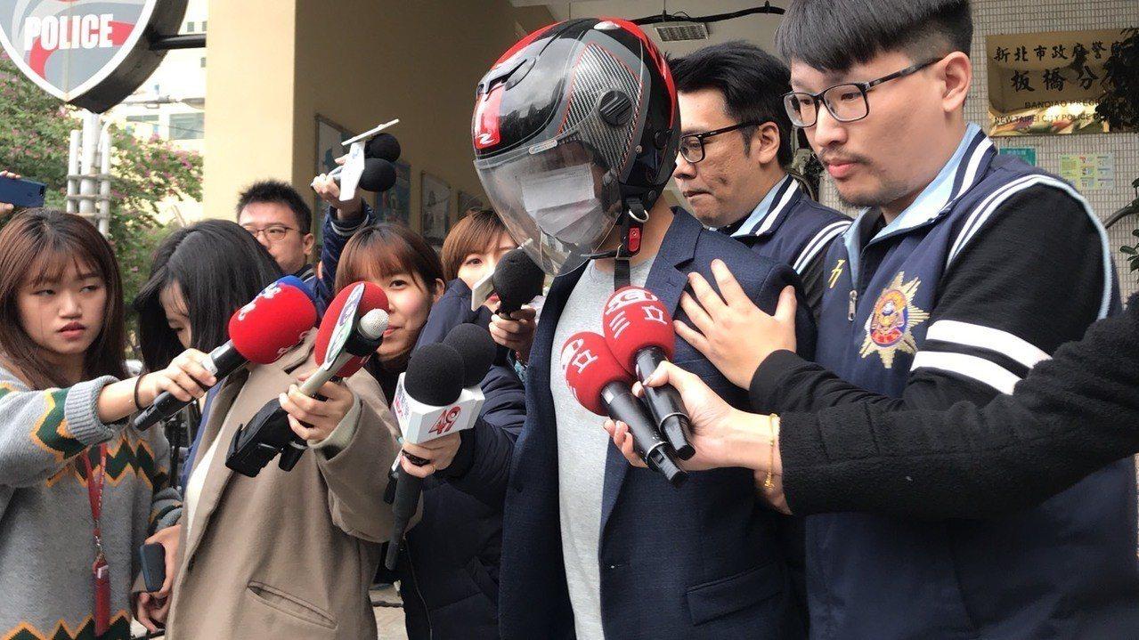 六福皇宮主廚游甯鈞被移送地檢署。記者袁志豪/攝影