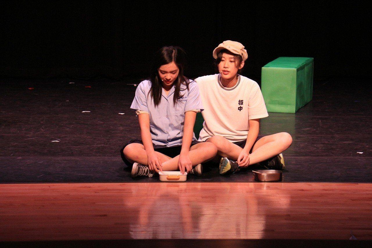 板橋高中「紙飛機」獲最佳大膽獎。記者施鴻基/攝影