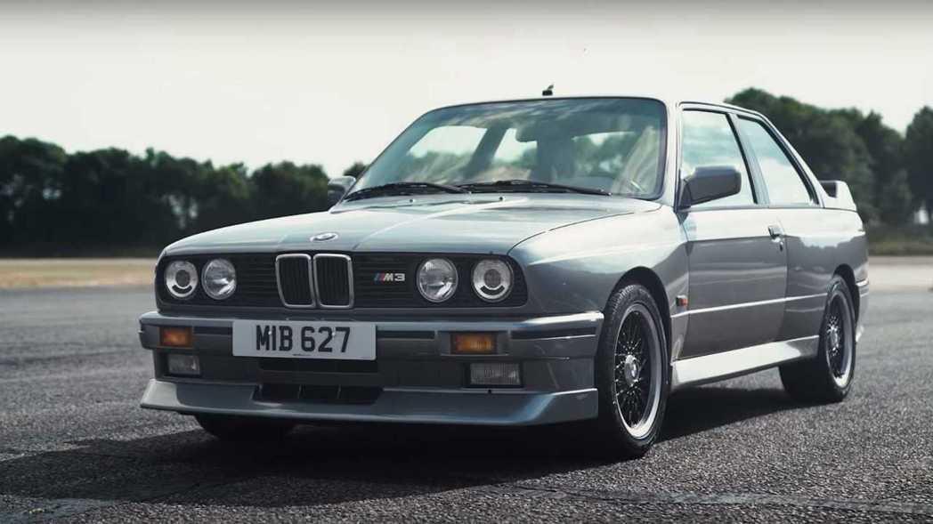 E30 M3是BMW M3傳奇的起點。 截圖自CarWow影片