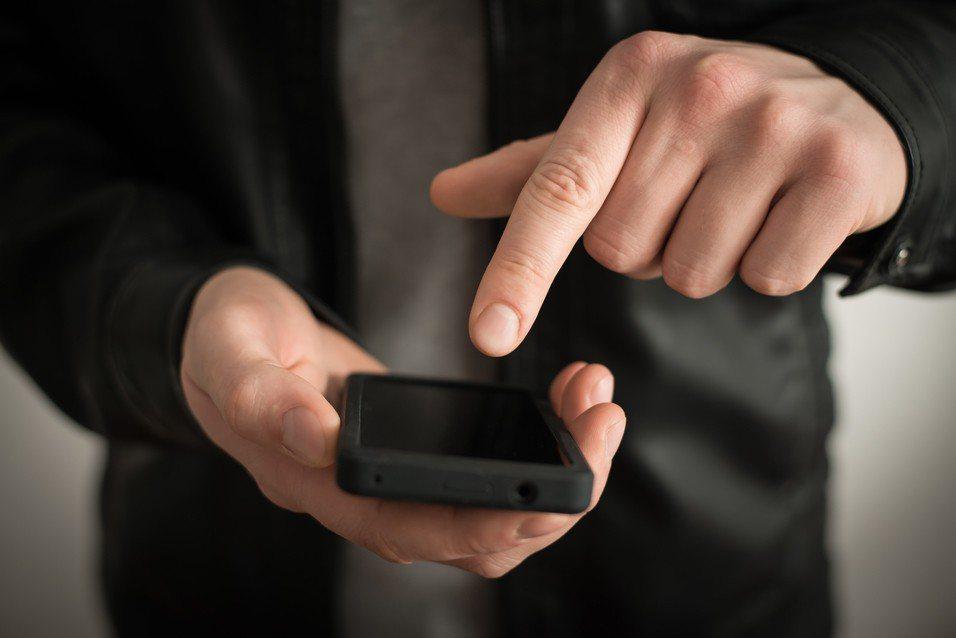 3C達人傳授省電5招,讓你跨年不用怕手機沒電。 圖/ingimage