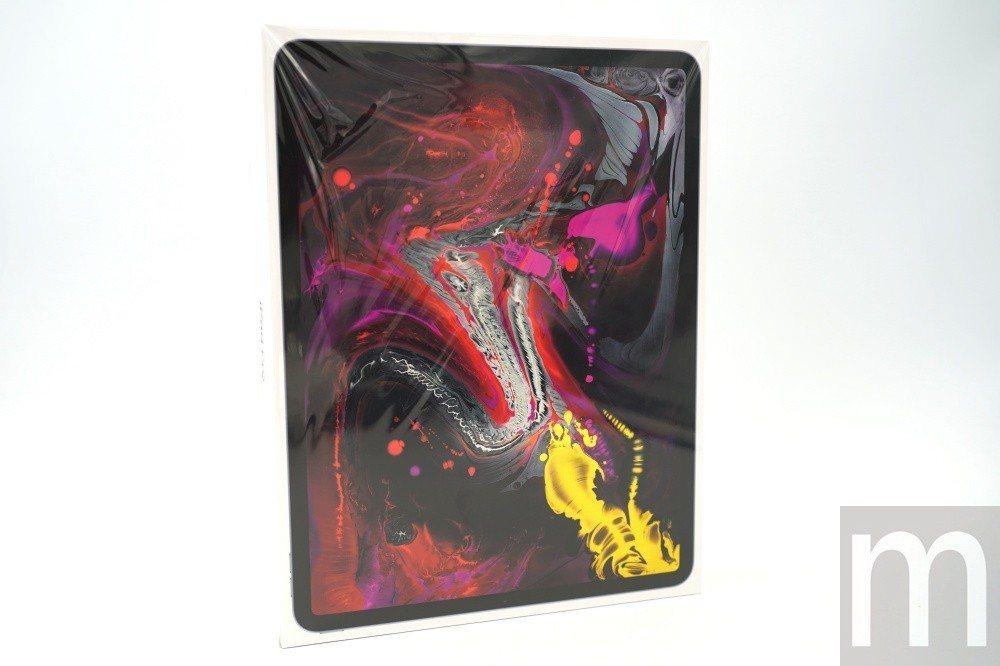 新款iPad Pro同樣在盒裝外觀以螢幕特色作為主打