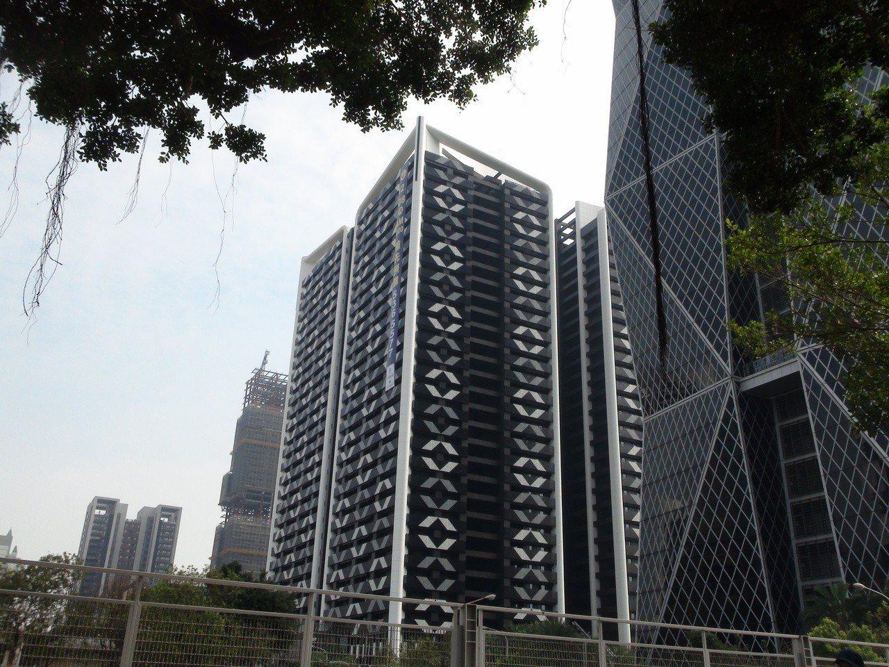 選舉後,高雄房屋市場買氣大增。記者謝梅芬/攝影