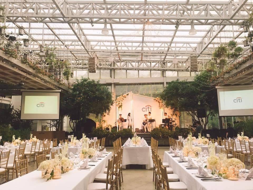香草菲菲芳香植物博物館是環保署認證的環境教育設施場所,館內有成千上萬株植物,提供...