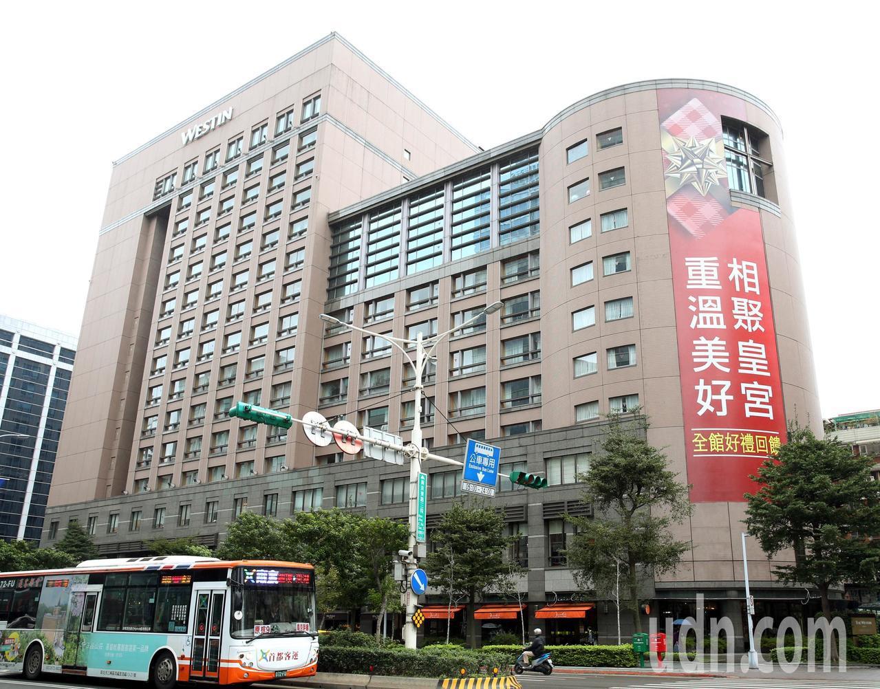 位於台北南京商圈的六福皇宮,營業最後一天的住房率仍高達九成。記者侯永全/攝影