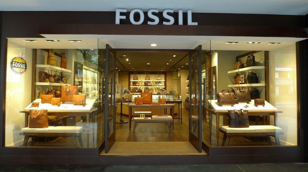 2012年美國第一大鐘表品牌Fossil進駐東區商圈,成立旗艦店。圖/聯合報系資...