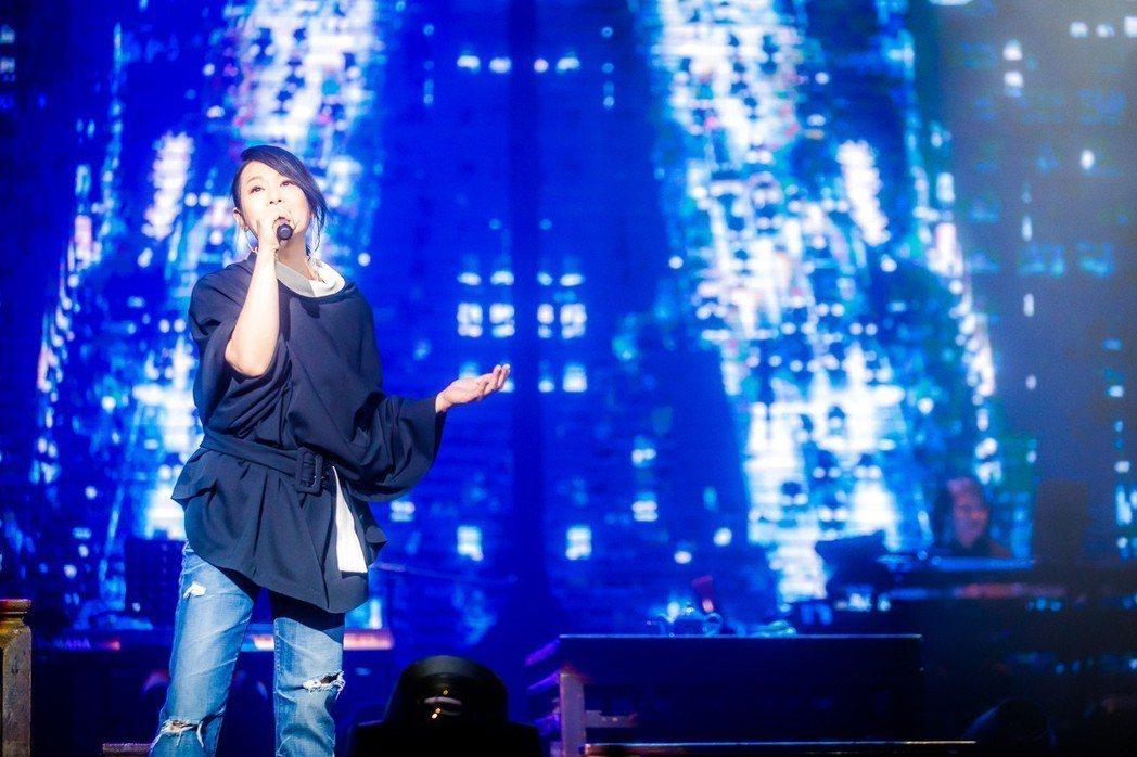 劉若英12月30日在烏鎮大劇院開唱。圖/相信音樂提供