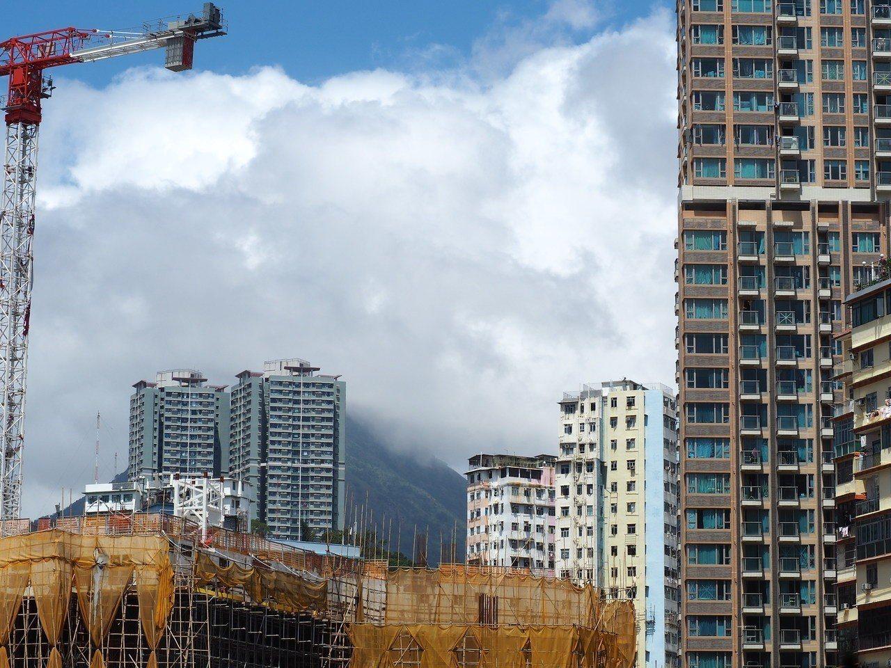 樓價月挫3.5% 10年最大單月跌幅 圖/香港中國通訊社