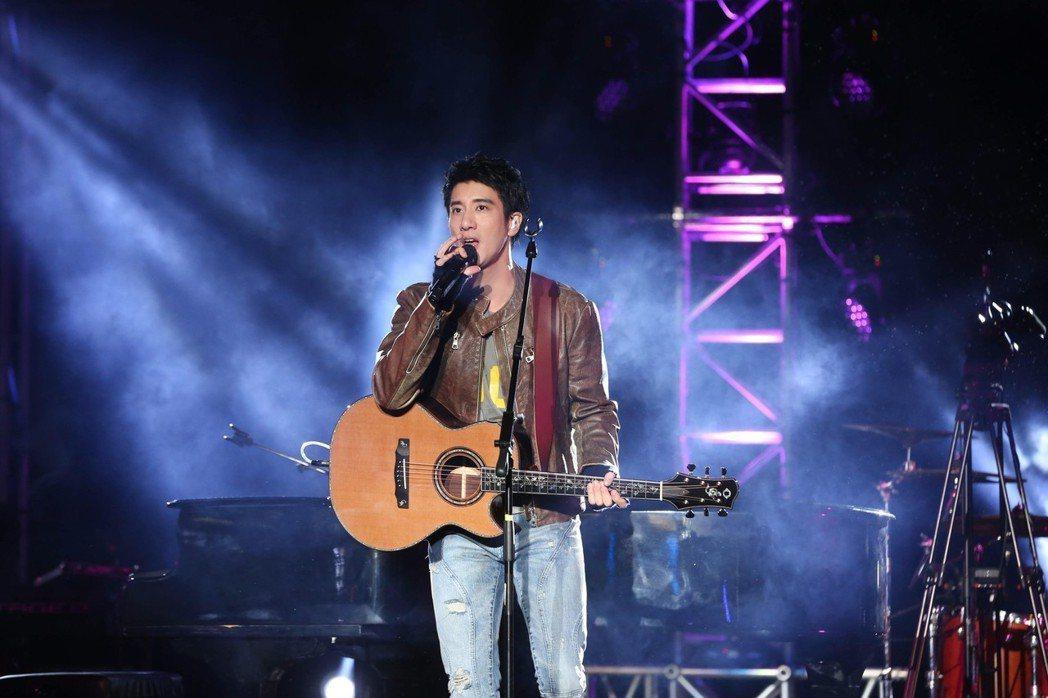 歌手王力宏21年前在大安森林公園開唱,如今2019年元旦夜在同場地舉行「福利秀」
