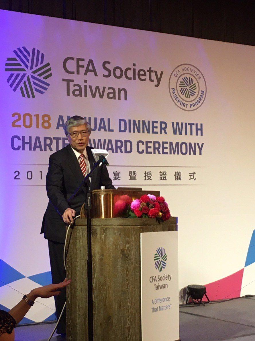 日本野村總合研究所首席經濟學家辜朝明,出席去年底的CFA台灣分會歲末晚宴。圖/ ...