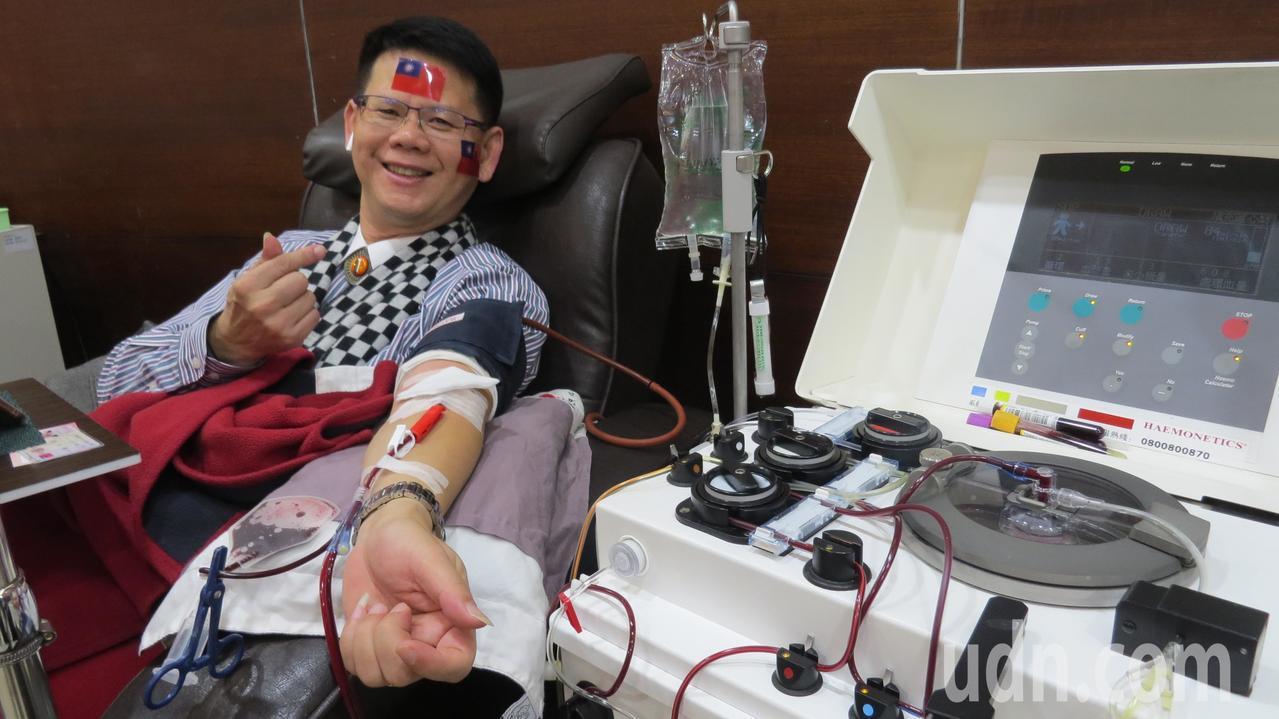 苗栗縣生命協會理事長陳宗聖固定元旦捐血,今天是第33年、336次捐血。記者范榮達...