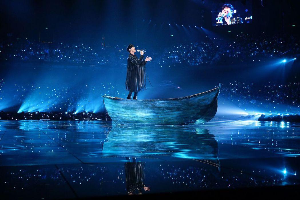 林俊傑跨年在江蘇衛視演出。圖/FJ Productions提供