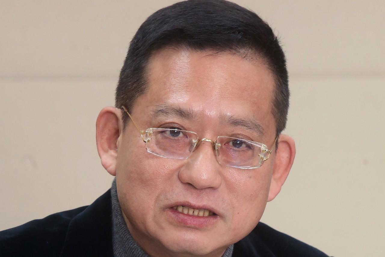 國民黨發言人洪孟楷今宣布將投入明年新北市第一選區立委選舉,並喊出「世代交替」,對...